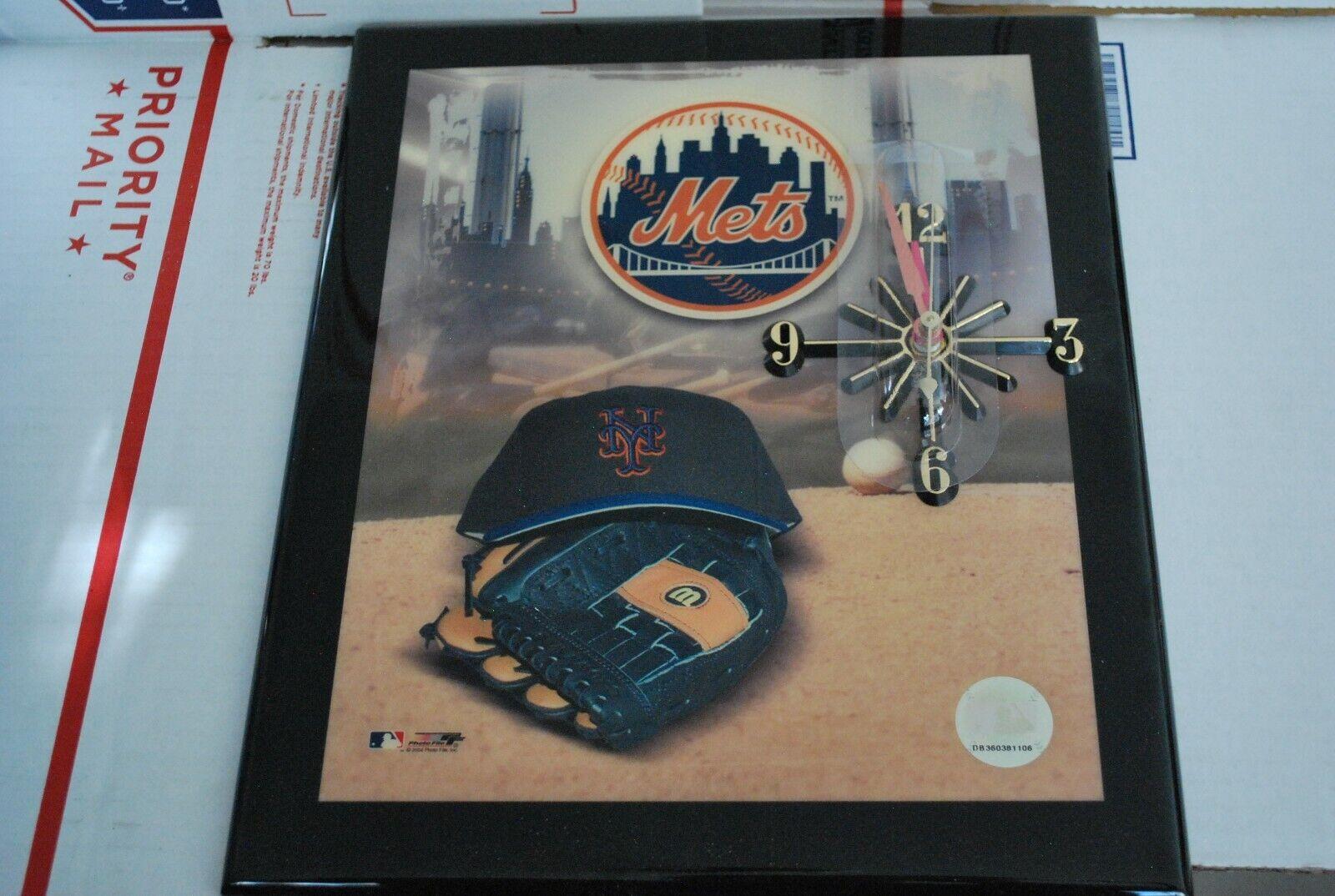 Quartz Movement Wood Resin Wall Clock New York METS MLB Offi