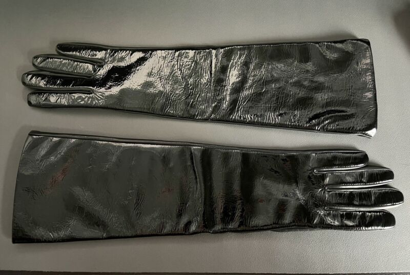 Size 7 - 17 inchLong Black Kid And Patent Leather Elbow / Over The Elbow Gloves