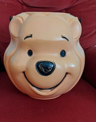 VINTAGE HALLOWEEN DISNEY WINNIE THE POOH BLOW MOLD TRICK OR TREAT CANDY PAIL