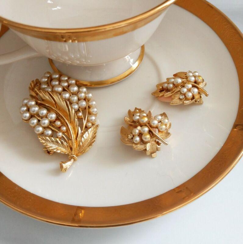 Vintage Liner 1950s Gold Pearl Brooch + Clip Earrings Set Ladies Jewelry