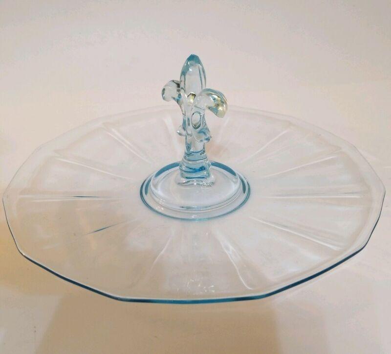 "FOSTORIA ""FAIRFAX"" BLUE DEPRESSION GLASS CENTER HANDLED SANDWICH PLATE EUC"