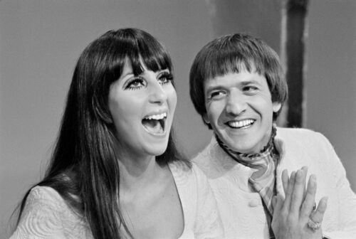 SONNY AND CHER - MUSIC PHOTO #E-71