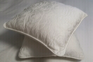 Bed top decorative pillows Queens Park Canning Area Preview
