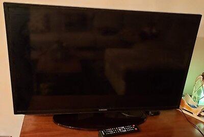 Samsung UN40H5201A 40-Inch 1080p 60Hz Smart LED TV FOR PARTS - Needs Backlights