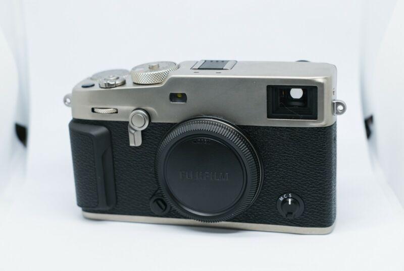[N. Mint] Fujifilm X-Pro 3 Mirrorless Camera Body (DR Silver) -In Original Box-