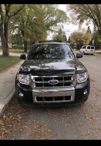 2011 Ford Escape Limited- 12.500 OBO