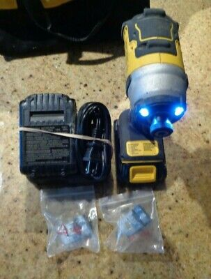 Dewalt 18v 14 Cordless Impact Driver With 2 Battery Charger In Bag