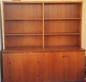 Wall unit free to good home Cheltenham Kingston Area Preview