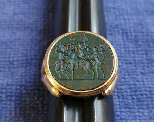 Vintage 18k Gold Intaglio Roman Soldiers Bloodstone Signet Ring Size 11 / 14.7g