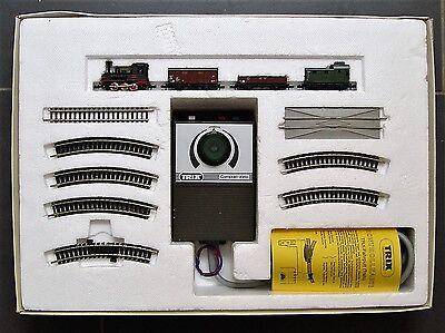 Minitrix Startpackung 3923 Dampflok mit Güterzug  Gleisoval und Trafo