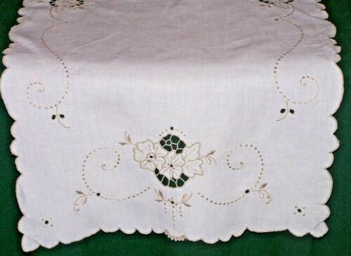 "FABULOUS MADEIRA EMBROIDERED LINEN RUNNER, LACE TRIM, 33"", EX. CONDITION, c1930"