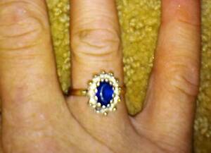 Vintage sapphire and diamond ring Leeton Leeton Area Preview