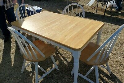 Dining Table w/ 4 Chairs w/ Leaf