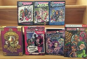 Monster High & Ever After High Books (Lower Sackville )