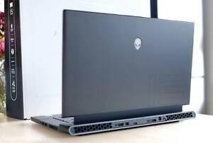 Alienware M15 R3 i9 10980HK RTX 2080 Super 32GB 1TB 300Hz Screen