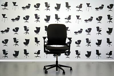 Refurbished Steelcase Leap V2 Chair -Black