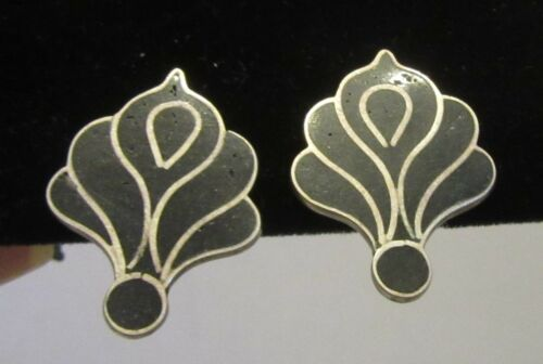 50s vtg 925 MEXICO BLACK CALLA LILY SCREW BACK EARRINGS sterling onyx inlay