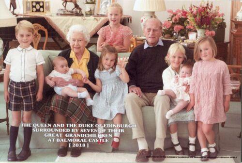 ~~~ ORGINAL~~~ POSTKARTE ~~~ Königin Elizabeth II und Prinz Philipp mit Urenkeln