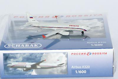 Schabak 3551585 Airbus A320-212 Rossiya Ei-Dzr in 1:600 Maßstab