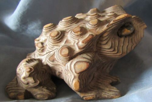 Vintage Japan Cryptomeria Cedarwood Horny Toad Signed Japanese