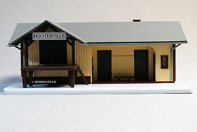 MTH RAIL KING LIGHTED TRAIN DEPOT HOOTERVILLE o gauge train freight 30-90501 NEW