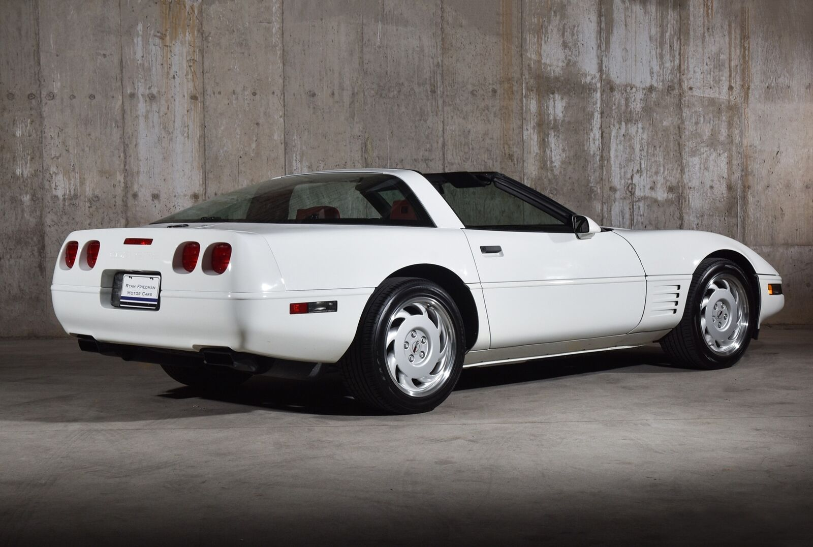 1992 White Chevrolet Corvette   | C4 Corvette Photo 3