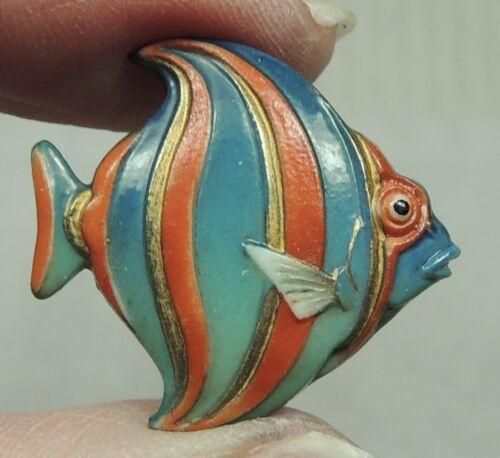 VINTAGE JAPANESE ARITA PORCELAIN BUTTON ~ FISH  REALISTIC