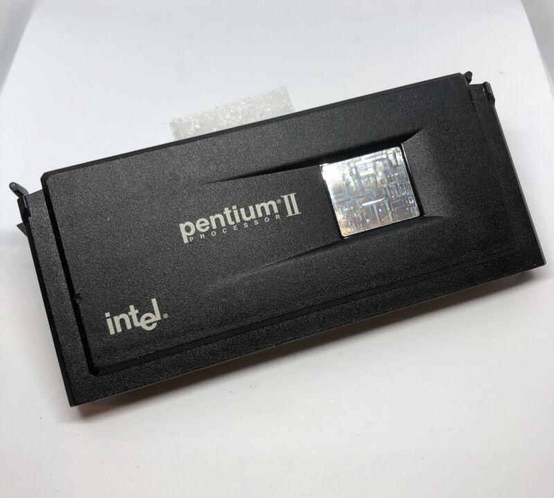 Q563 ES INTEL PENTIUM II PROCESSOR 80523PY450512PE SLOT1 PII Confidential 450mhz