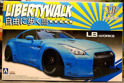 2014 Nissan Skyline GT-R R 35 LB Works Liberty Walk JDM 1:24 Aoshima 054024