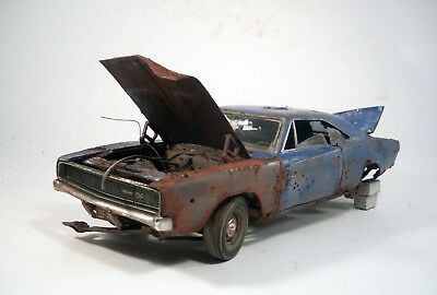 1968 Dodge Charger RT Pro Built Weathered Barn Find Junker Custom 1/25 Revell