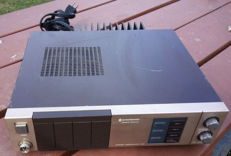 STANDARD COMMUNICATIONS REPEATER RP70 SERIES