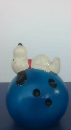 Vintage Peanuts Snoopy Bowling Ball Bank Determined Good Condition RARE