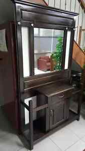 Beautiful Hallway coat stand with mirror Campbellfield Hume Area Preview