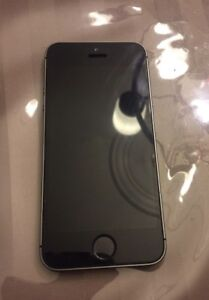 iPhone 5s 16GB Excellent Condition with Charger No Scratches