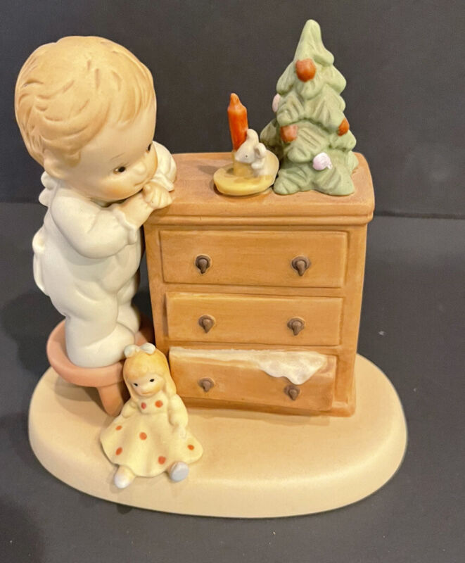 """1990 Enesco Memories of Yesterday 524697 """"Not a creature was stirrin"""