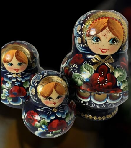 Vintage Wooden Nesting Dolls Russian Matryoshka Hand Painted Artist Signed