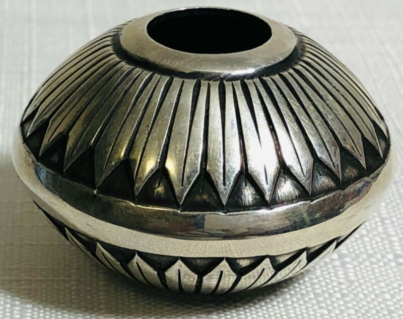 """Sunshine Reeves Navajo Sterling Silver Seed Pot 35.97 grams, 1 1/2"""" Signed"""