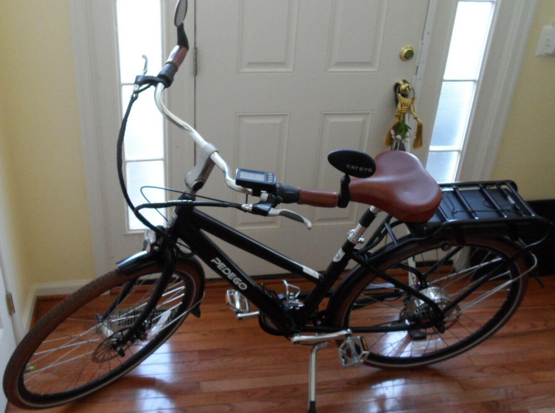 PEDEGO CITY COMMUTER BIKE Electric (Lithium Battery) Black Bicycle + BONUS Items (Used - 2499 USD)