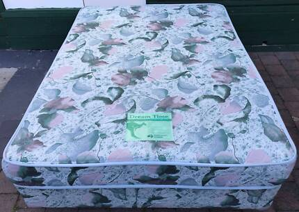 Excellent condition double bed set. Delivery option is available