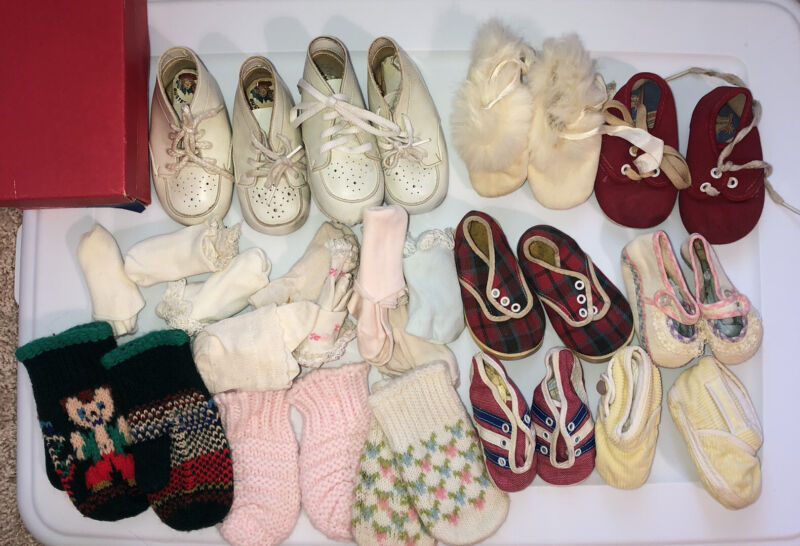 Lot Of Vintage Baby Shoes Booties Socks Mittens Fur Crochet