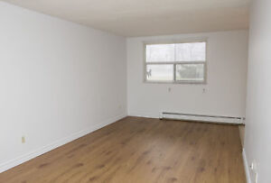 Large 2 Bed - Cedar/St. Andrew - Spacious Layouts!