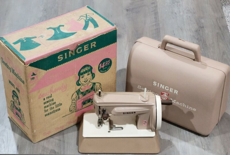 Vintage Singer Sewhandy Model 40K Child Sewing Machine in Box with Case