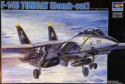 TRUMPETER® 03202 F-14B Tomcat (Bomb-Cat) in 1:32