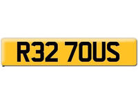 VW RS32 R32 Cherished registration Private number plate R327 OUS Volkswagen Golf - One of a pair