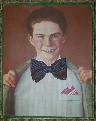 ANTIQUE VINTAGE MENS FASHION BOW TIE REDHEAD GINGER BOY IN A BOX STORE DISPLAY