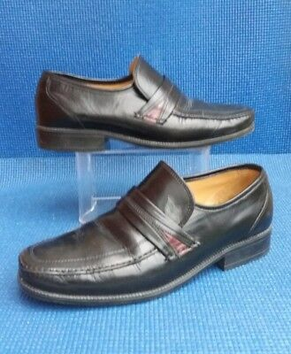 Mens black leather  CLARKS  shoes ...size uk 8
