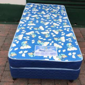 Excellent Sleep Maker Brand single bed set. Delivery can do