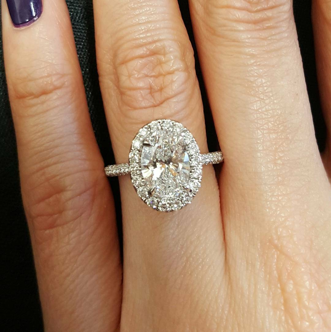 1.65 Ct Halo Oval Brilliant Cut Diamond Engagement Ring F,VS1 GIA Center 14K WG