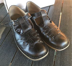 Women's/girl's size 8/9 leather school Mary janes Bedford Park Mitcham Area Preview