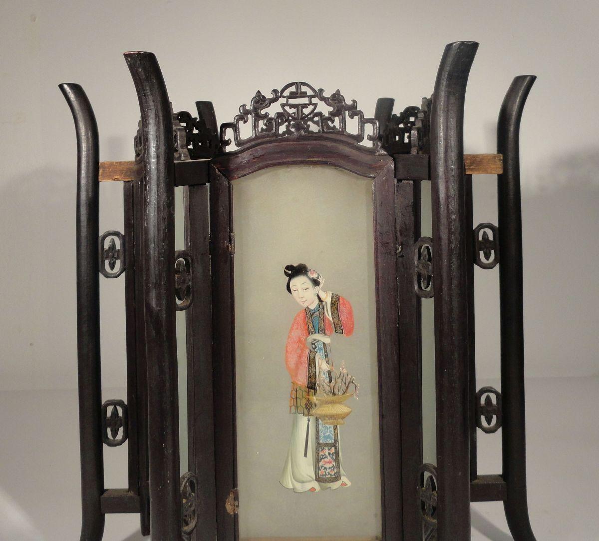 Купить Antique Chinese Carved Zitan Lantern Hardwood Glass Panels Ladies Lamp